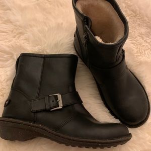 Ugg Berg Mini Brown Leather Bootie